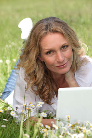 45 55 years: Woman on laptop