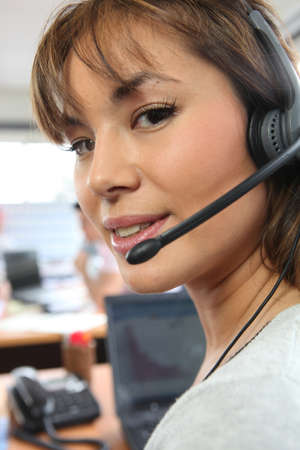 incoming: woman in call center