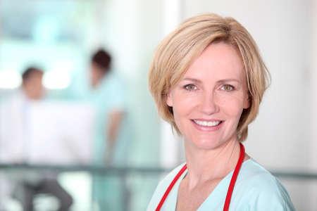 personal medico: Enfermera en el pasillo Foto de archivo