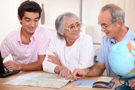 planificacion familiar: Planificaci�n de la familia un d�a de fiesta Foto de archivo