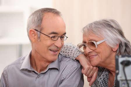 casal: Sorrindo, idoso, par, lar