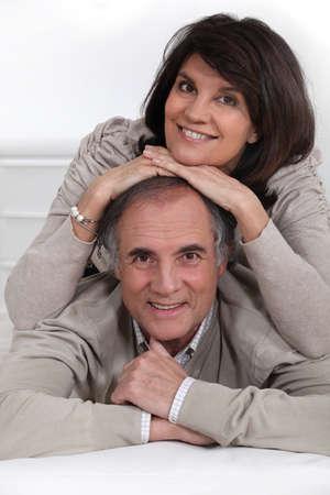 laid back: Mature couple smiling