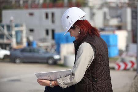 surveyor: Topógrafo sitio Mujer