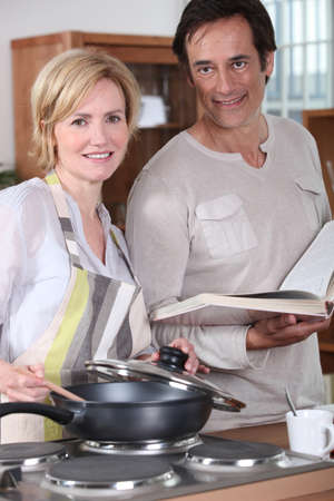 45 49 years: Couple in the kitchen