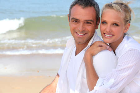 beach front: Couple by the sea