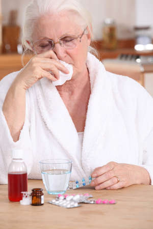 Una anciana enferma. photo
