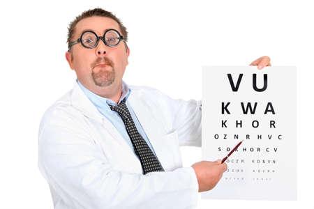 examen de la vista: Eye doctor con una carta de ojo