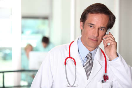 45 55 years: Doctor on the phone