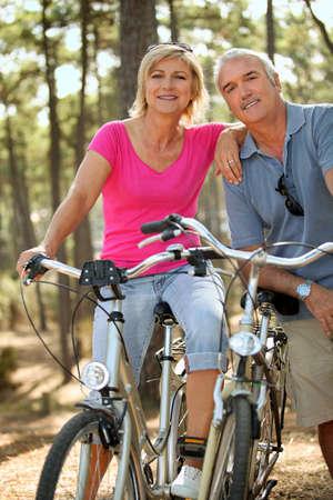 actividad fisica: matrimonios de edad