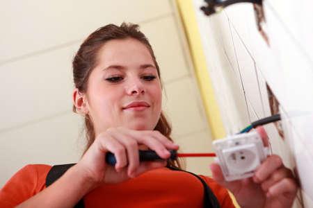 power plug: Female electrician
