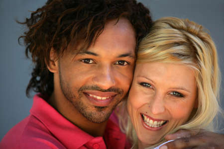 couple mixte: Couple mixte s'�treignant