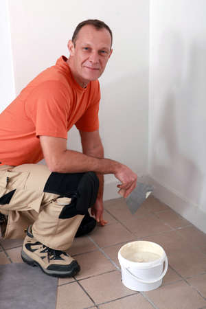 close fitting: Tiler
