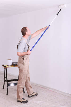 peintre en b�timent: Peinture � l'homme