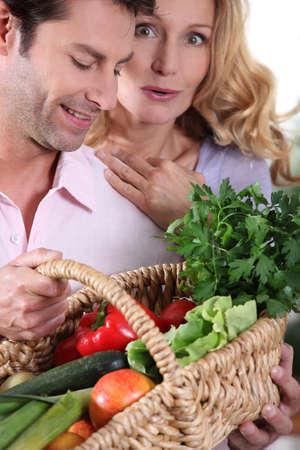 35 40 years: Wife surprised by vegetable basket.
