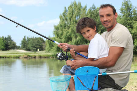 redes pesca: Padre e hijo a pescar
