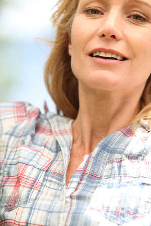 woman 40 years: Closeup of a woman in her thirties