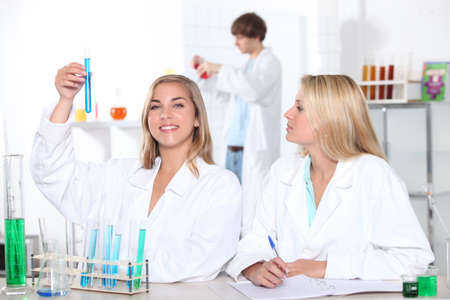 16 17 years girl: Students in a chemistry class Stock Photo