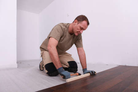 erector: Wooden floor