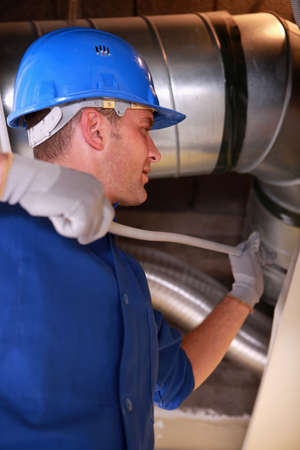 duct: Electricista de alimentaci�n de alambre