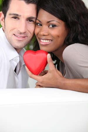 couple mixte: heureux couple mixte Banque d'images
