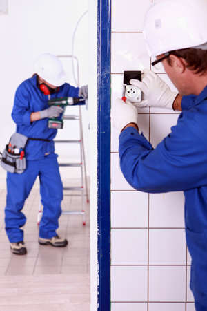 close fitting: Electricians