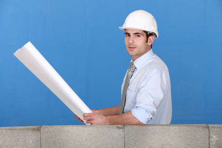 verifying: a construction manager
