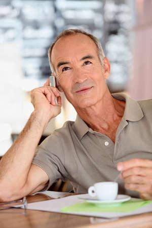 hombre flaco: un hombre de 65 años busca dinámica se llama