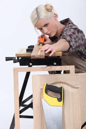 cintas metricas: Mujer carpintero