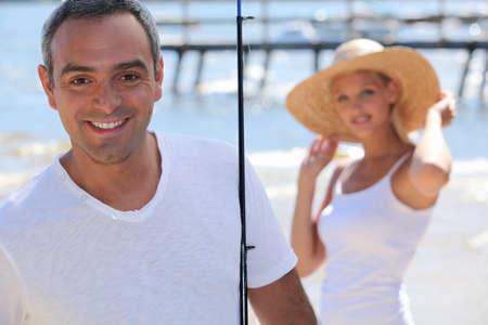 blithe: Carefree pareja juntos de vacaciones