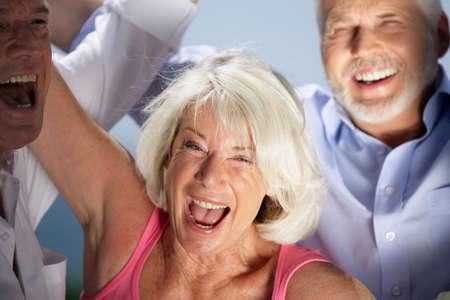 lachendes gesicht: Lachende Menschen ernst