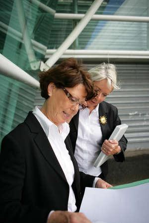 55 60 years: Senior businesswomen at the airport