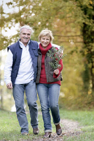 strolling: Couple taking leisurely walk