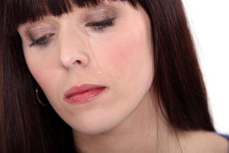 mujer llorando: Malestar mujer llorando