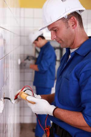 the switch: Elettricisti l'installazione di interruttori