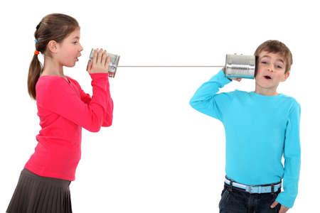 ni�os hablando: El esta�o puede llamar por tel�fono