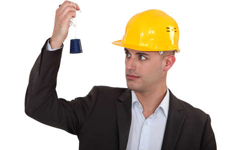 correctness: a construction manager watching a lead