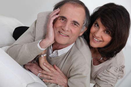 middle class: Retrato de una pareja de mediana edad Foto de archivo