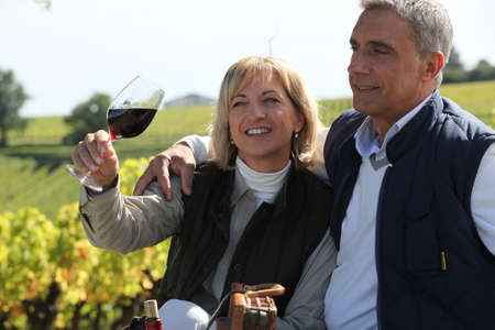 belly pepper: couple in a vineyard