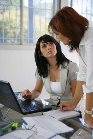 supervisores: Los colegas que tienen una discusión