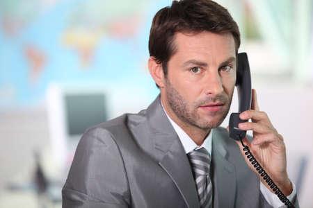 mr: answering, phone