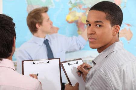 maestra enseñando: Geografía clase Foto de archivo