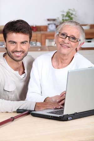 third age: Help senior on computer