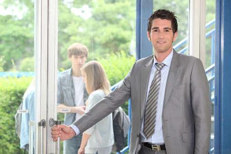 abriendo puerta: Maestro de apertura de puertas