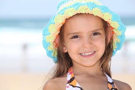 Kleines Mädchen mit Hut Standard-Bild - 13962000