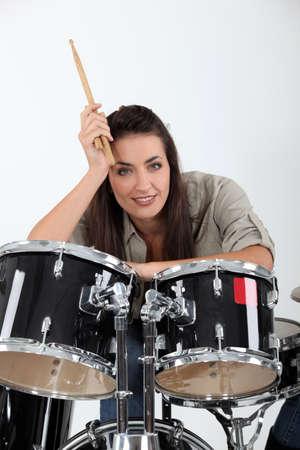 drum kit: Female drummer