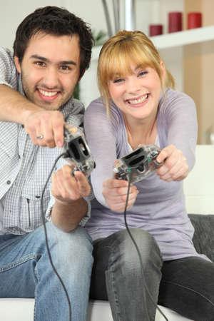 jugando videojuegos: un par de juegos de video Foto de archivo
