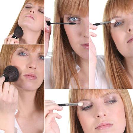 mujer maquillandose: Mujer de aplicar el maquillaje