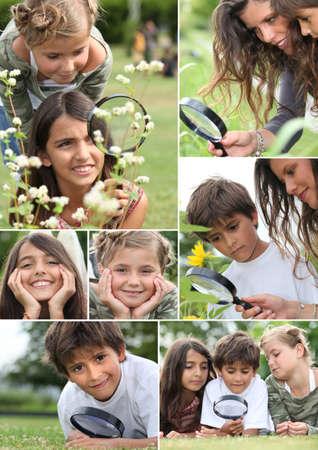 Collage de los niños que utilizan a la intemperie lupa Foto de archivo