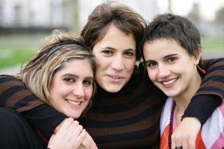 female bonding: Female bonding