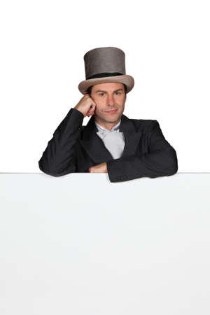 tophat: L'uomo con un cappello a cilindro